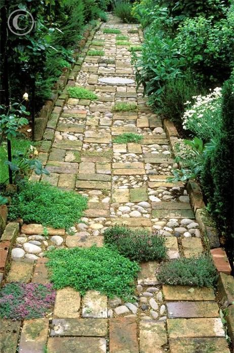 Creatively Stunning Garden Path Ideas