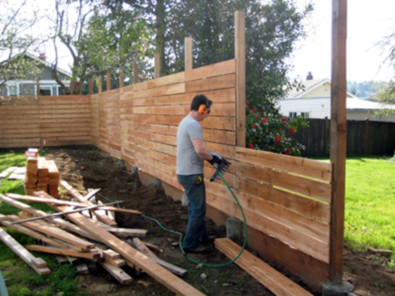 backyard fence ideas cheap diy privacy fence ideas (53) SBNXSOG