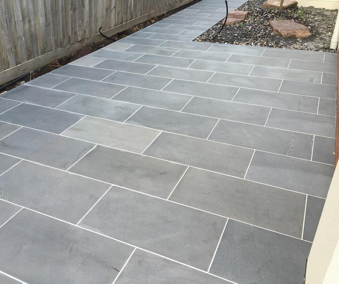 blue stone pavers ... bluestone-cat-paw-sawn-pavers-tiles-paving ... UWTQJLA
