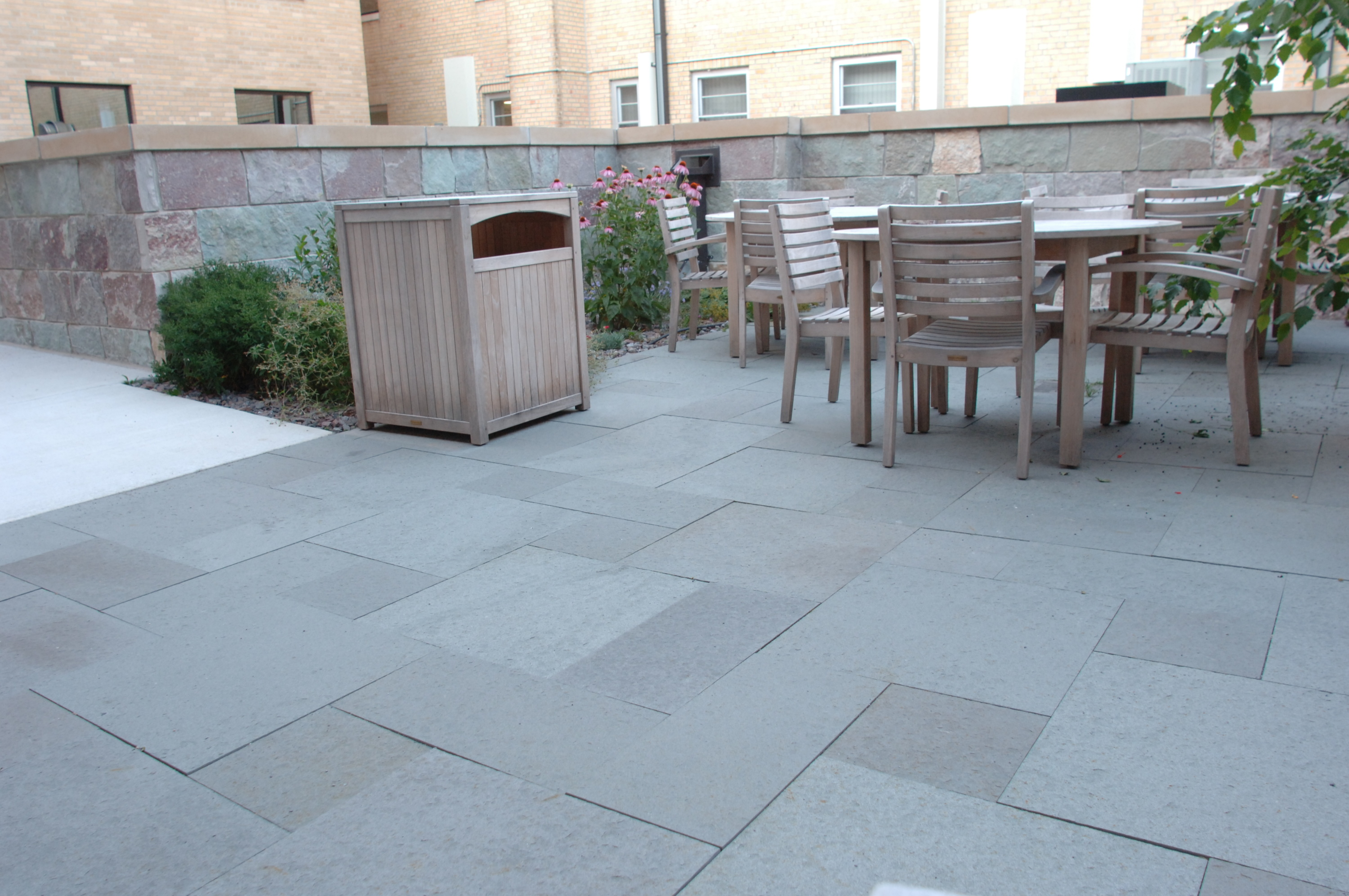 bluestone pavers have a smooth, natural cleft finish that is rich with NRUYIGA