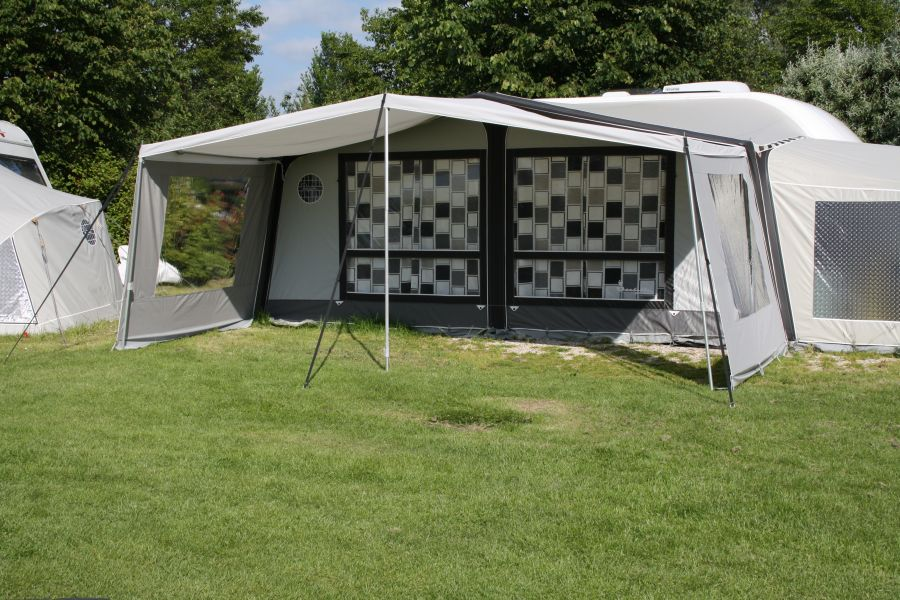 caravan awning: sun canopy de luxe for the