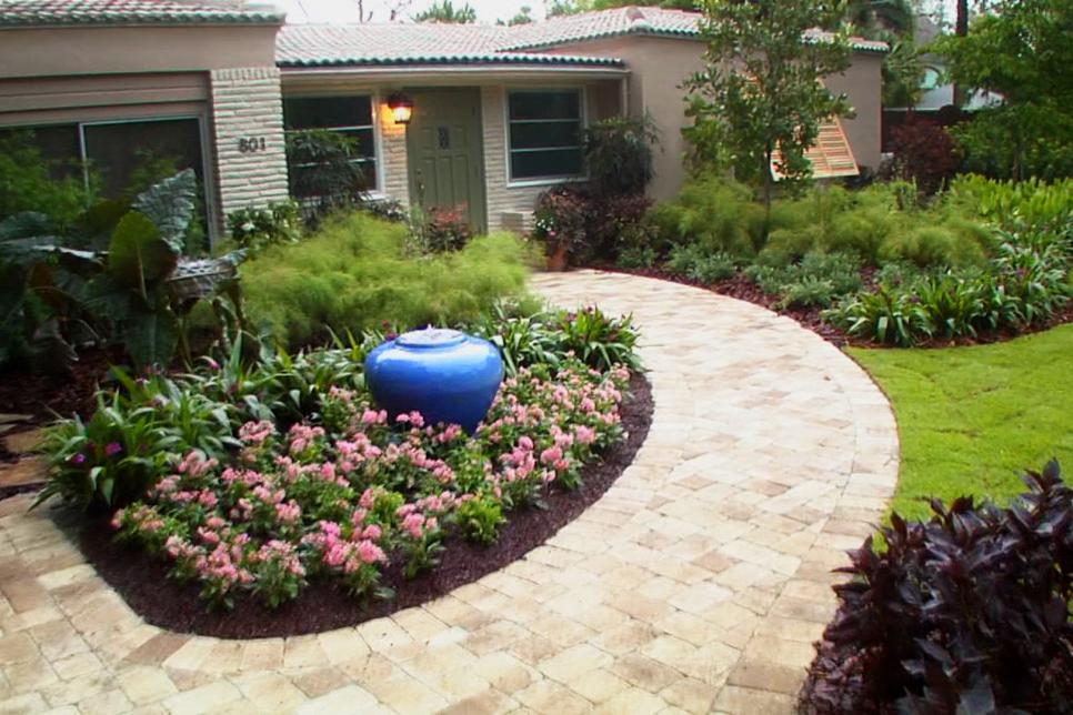 2 EXCELLENT FRONT YARD LANDSCAPE IDEAS