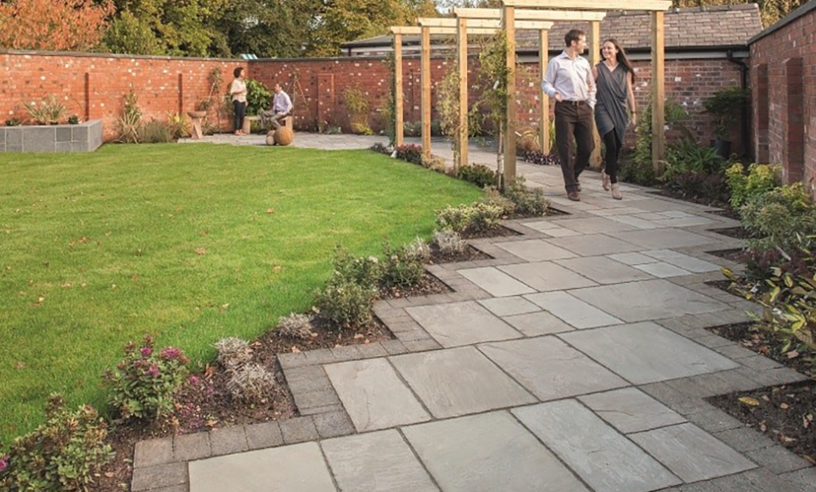 garden paving slabs how to choose the right paving slabs for your garden patio VRAZKBM