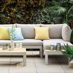 DECORATING YOUR GARDEN SOFAS