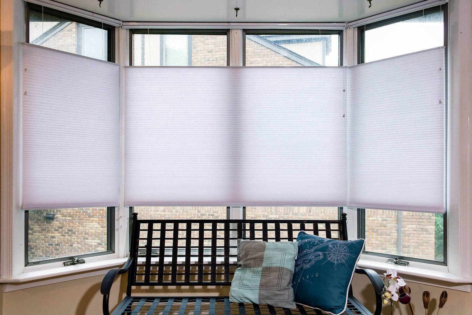 honeycomb shades prestige cellular shades top down bottom up for bay windows looks sleek QRXILTK