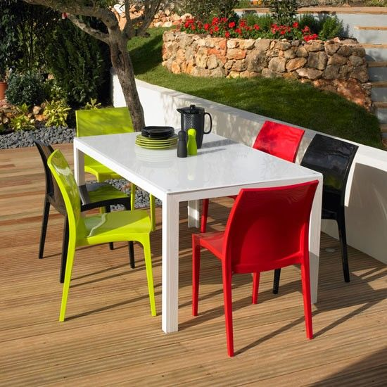 why plastic garden furniture is the best outdoor furnishing option SGSVZLG