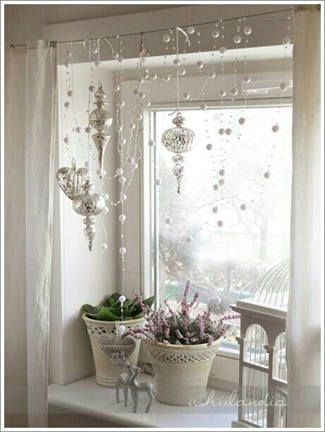 window decor 70 awesome christmas window décor ideas MAASNRL