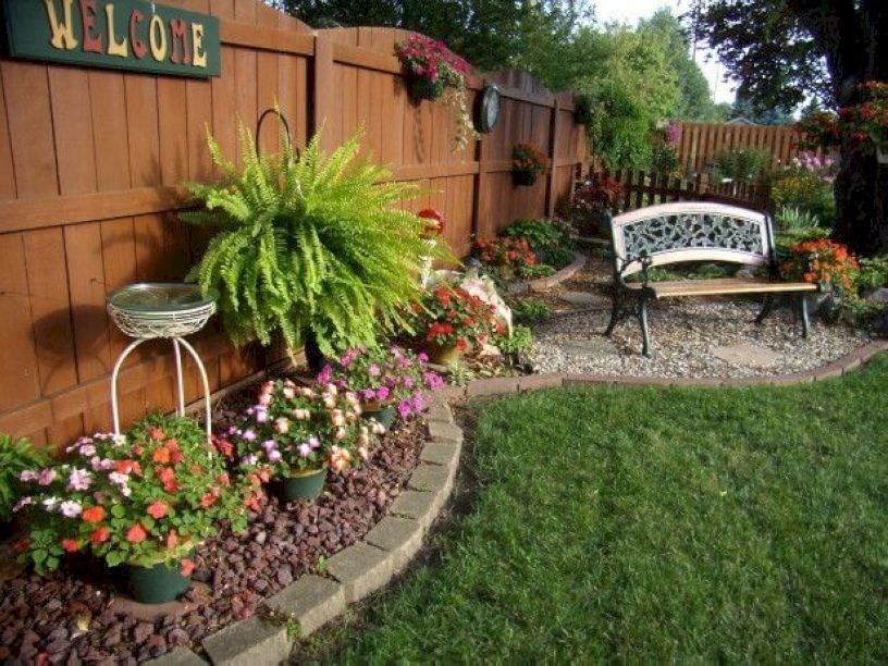 66 Simple and Easy Backyard Landscaping Ideas - Wartaku.net