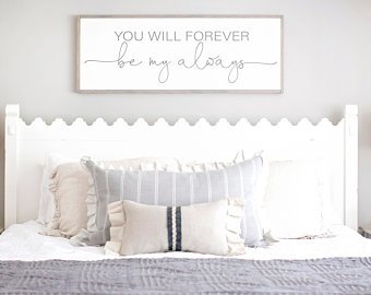 How to Go Creative in Your   Bedroom Wall Decor