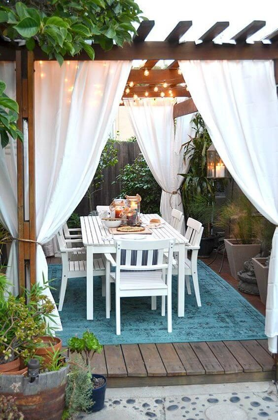 43 Outdoor Dining Sets for the Ideal Meal on your Backyard