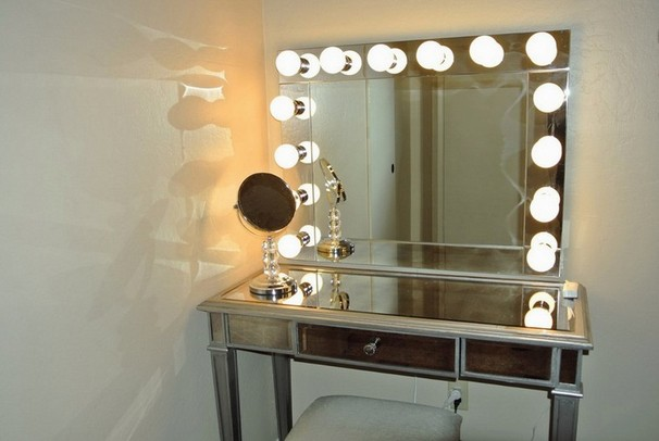 Hollywood lighted make-up mirror