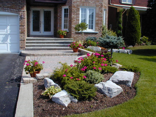 Front yard landscaping ideas for small houses in the woods