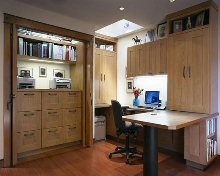 Traditional office furniture 2