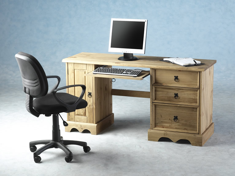 Right computer desk 2