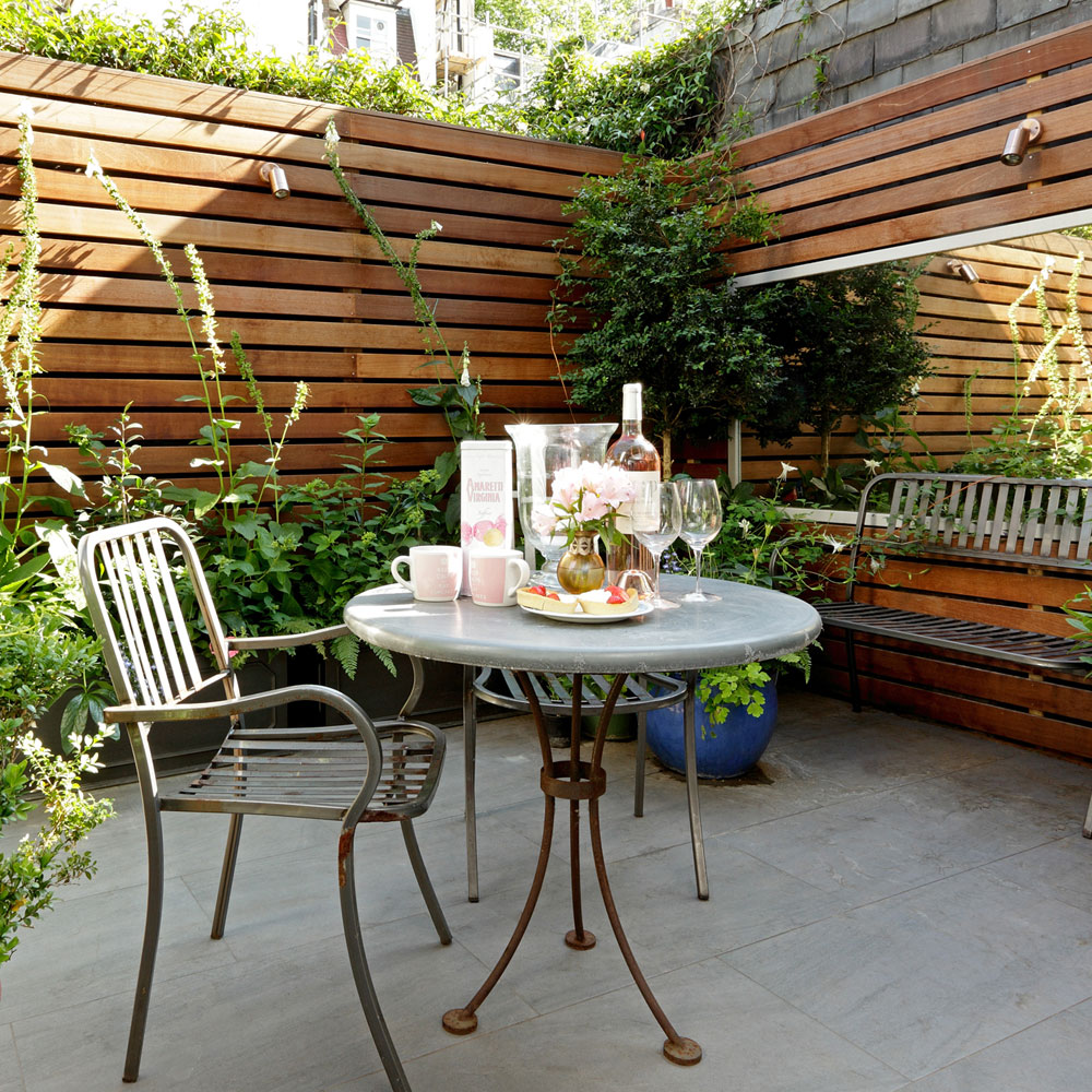 11 patio with mirror small garden ideas david still OOUVVRH