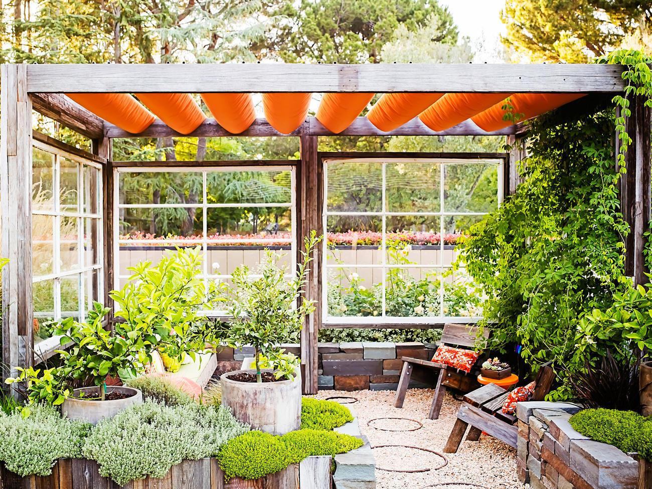 18 favorite outdoor rooms CUIZJCG