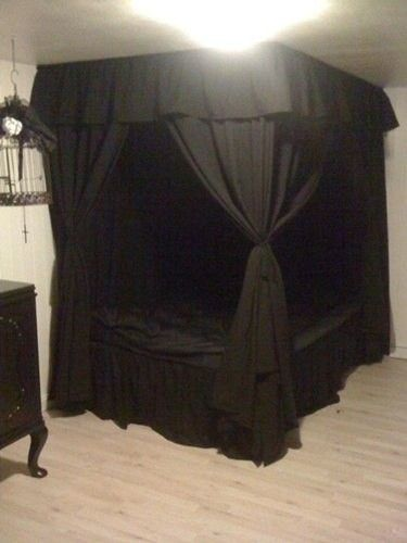 black canopy bed want a black curtain just like this for my bed VIOWBST