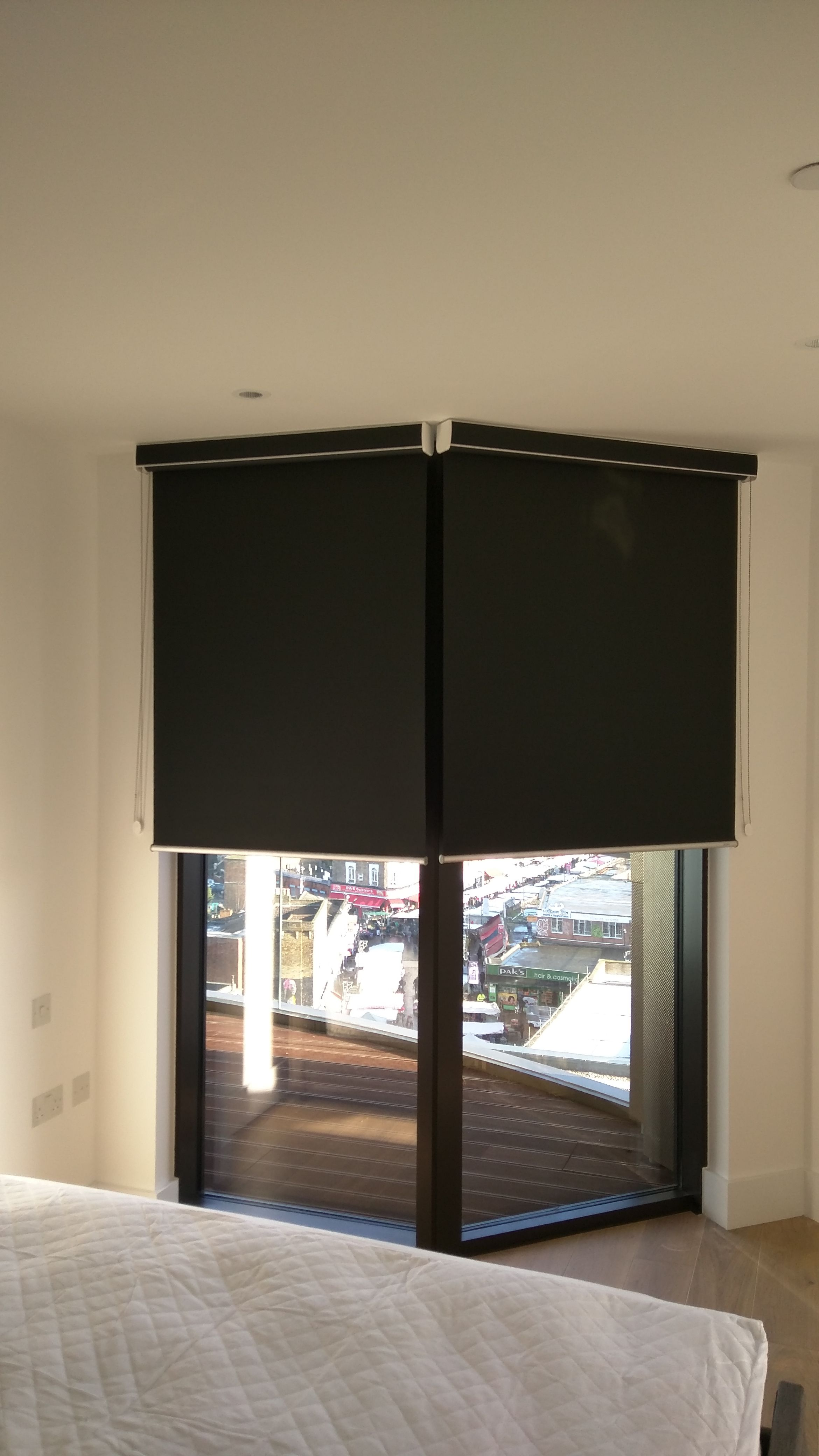 blackout blinds blackout roller blind with matching pelmet fitted outside the recess window EXPDSJT