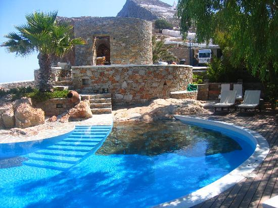cool pools folegandros, greece: very cool pool built right into the islandu0027s rock! NAGBNIN