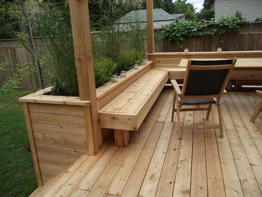 Make the Deck Planters be the Perfect Blend with your Deck