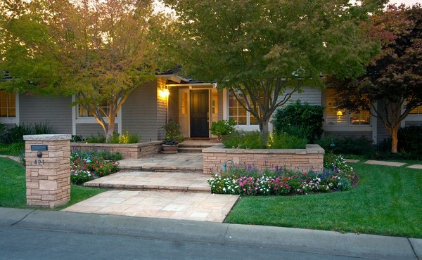 front yard landscaping landscaping ideas for front yards. 1. cheap landscaping ideas LTYJOJL