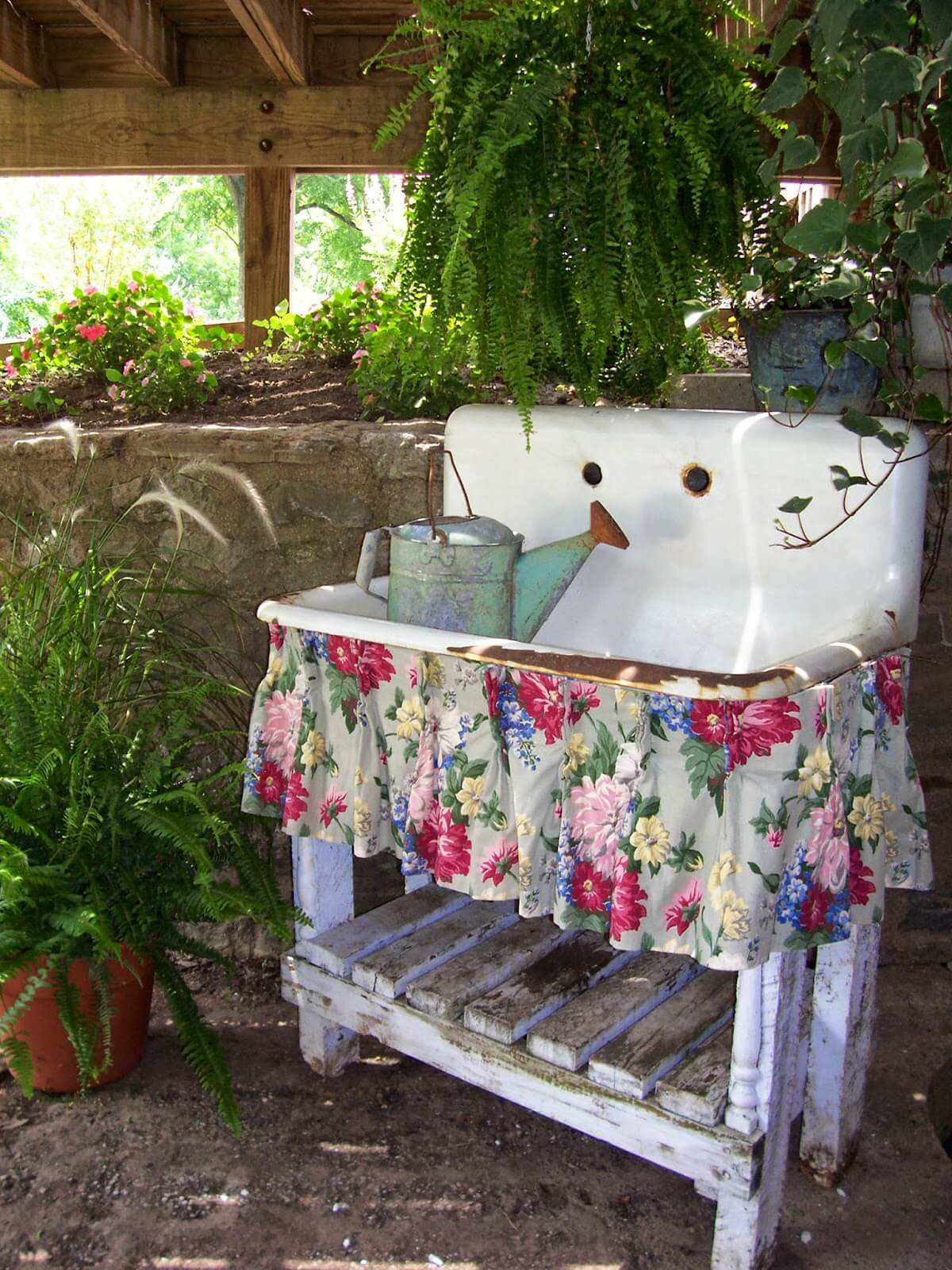 garden decoration ideas upcycled antique sink garden decoration ETNIZIM