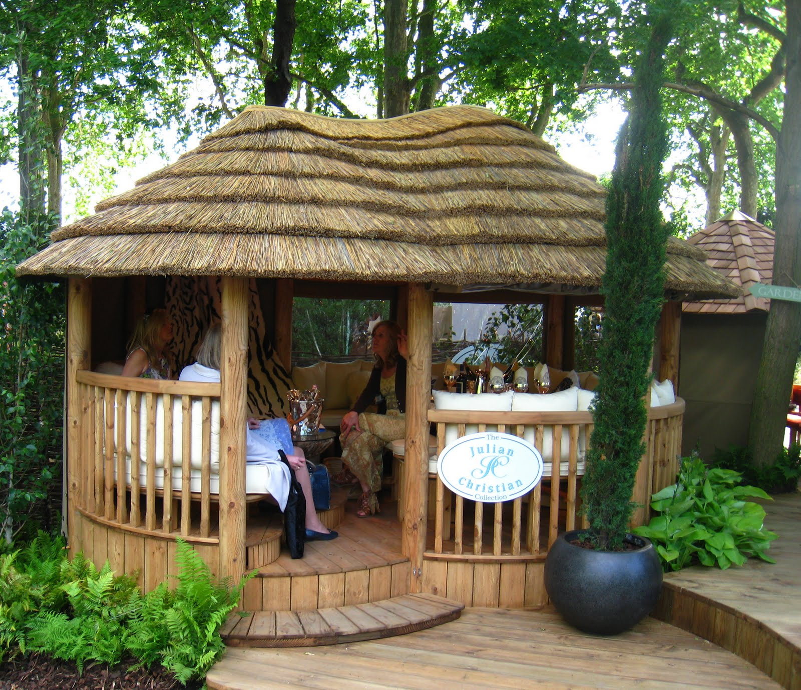 garden huts ... a thatched roof or cedar shingle tiles, why not call our POYEHVT