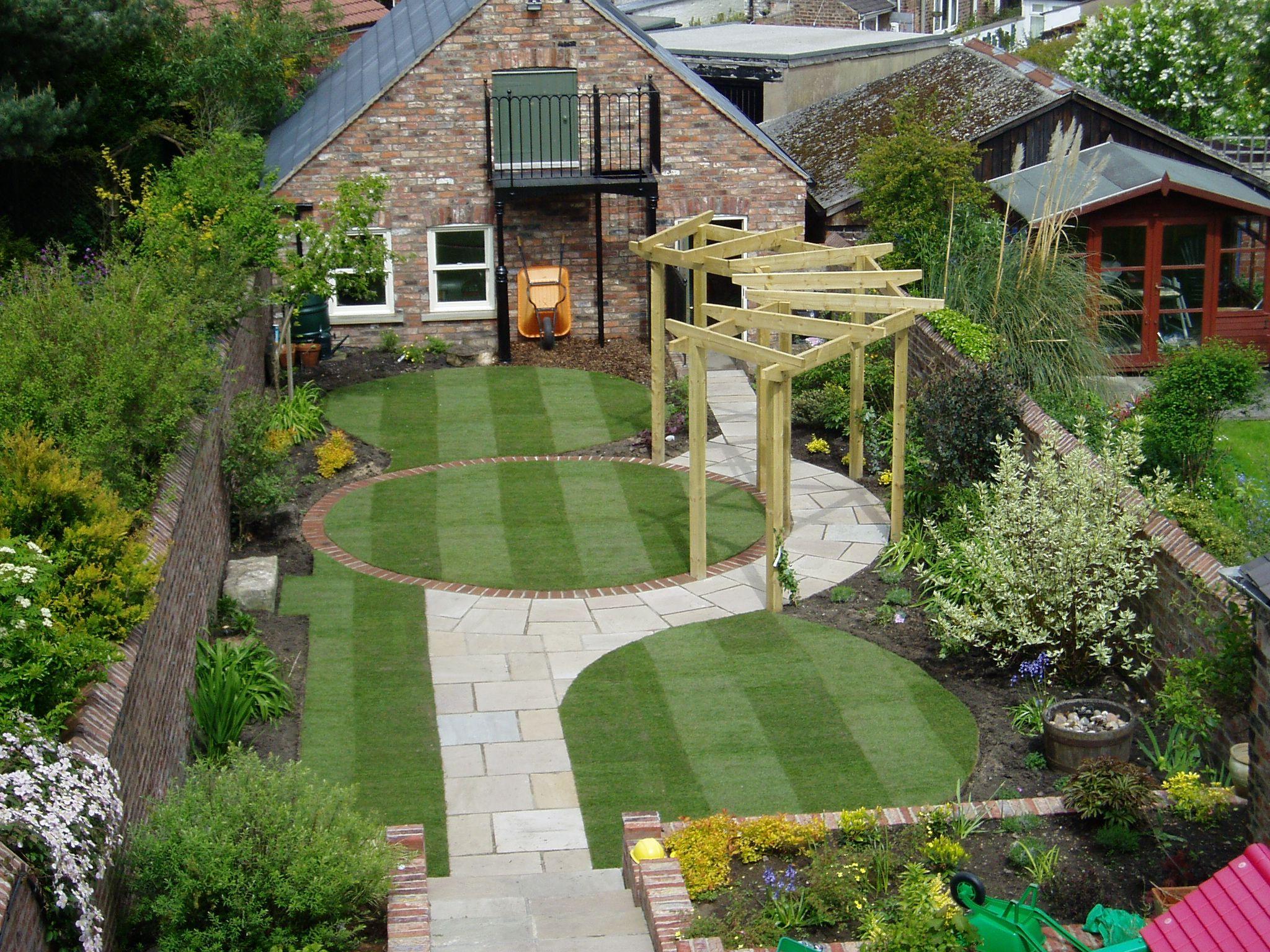 Create an ideal garden with garden landscaping