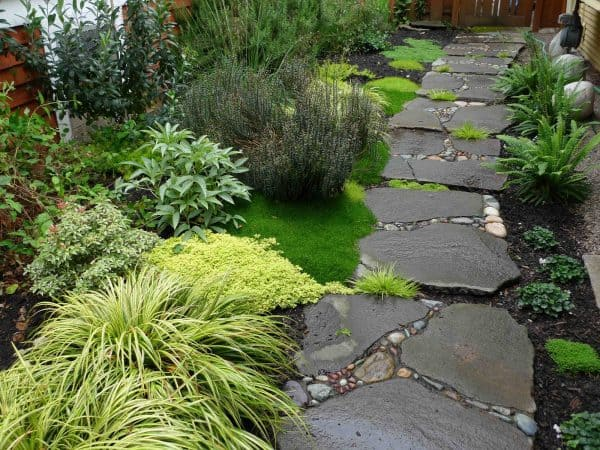 garden path ideas source: thehomestyle.co ONPUTFD