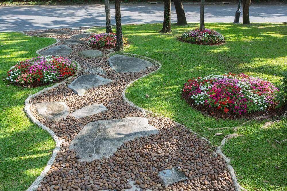 garden pebbles IQTJGXB