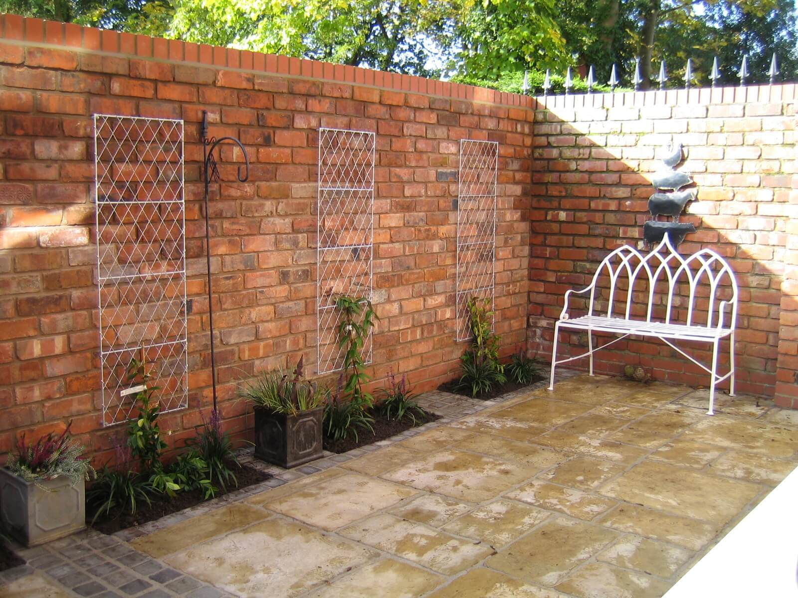 garden walls garden wall for a small garden with light bricks QURGXDM