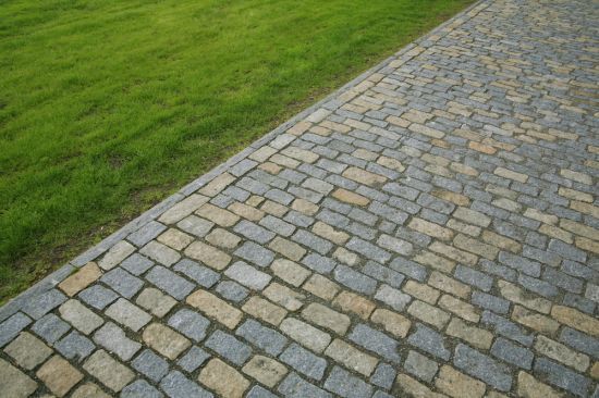 Granite Pavers are Cool and Beautiful Designs for Gardens