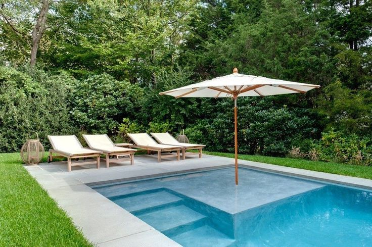 here are the latest trends in hamptons pool
