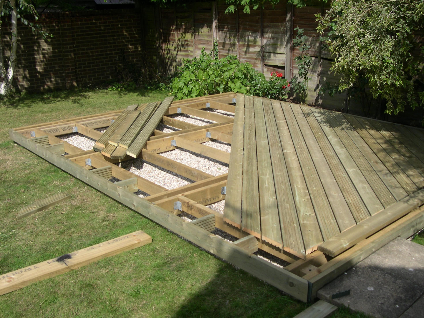 home decking ideas berden 06 YXNXQHI