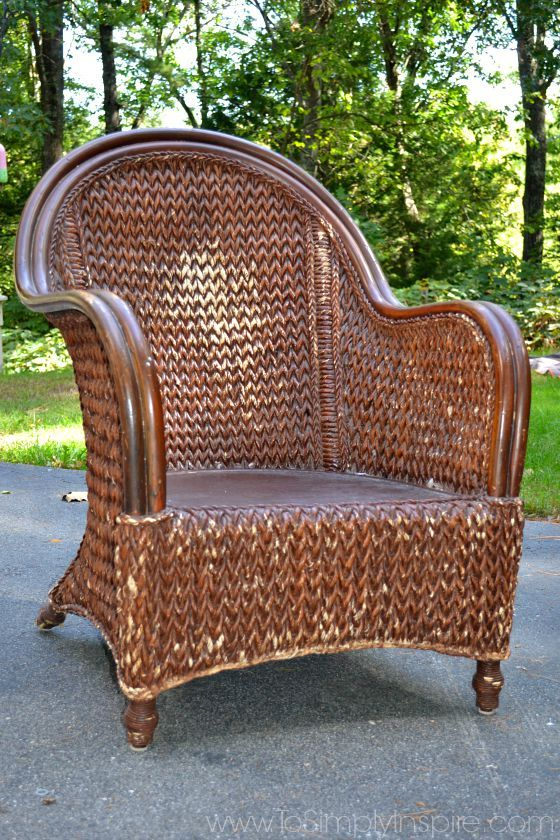 how to paint wicker furniture with a brush1