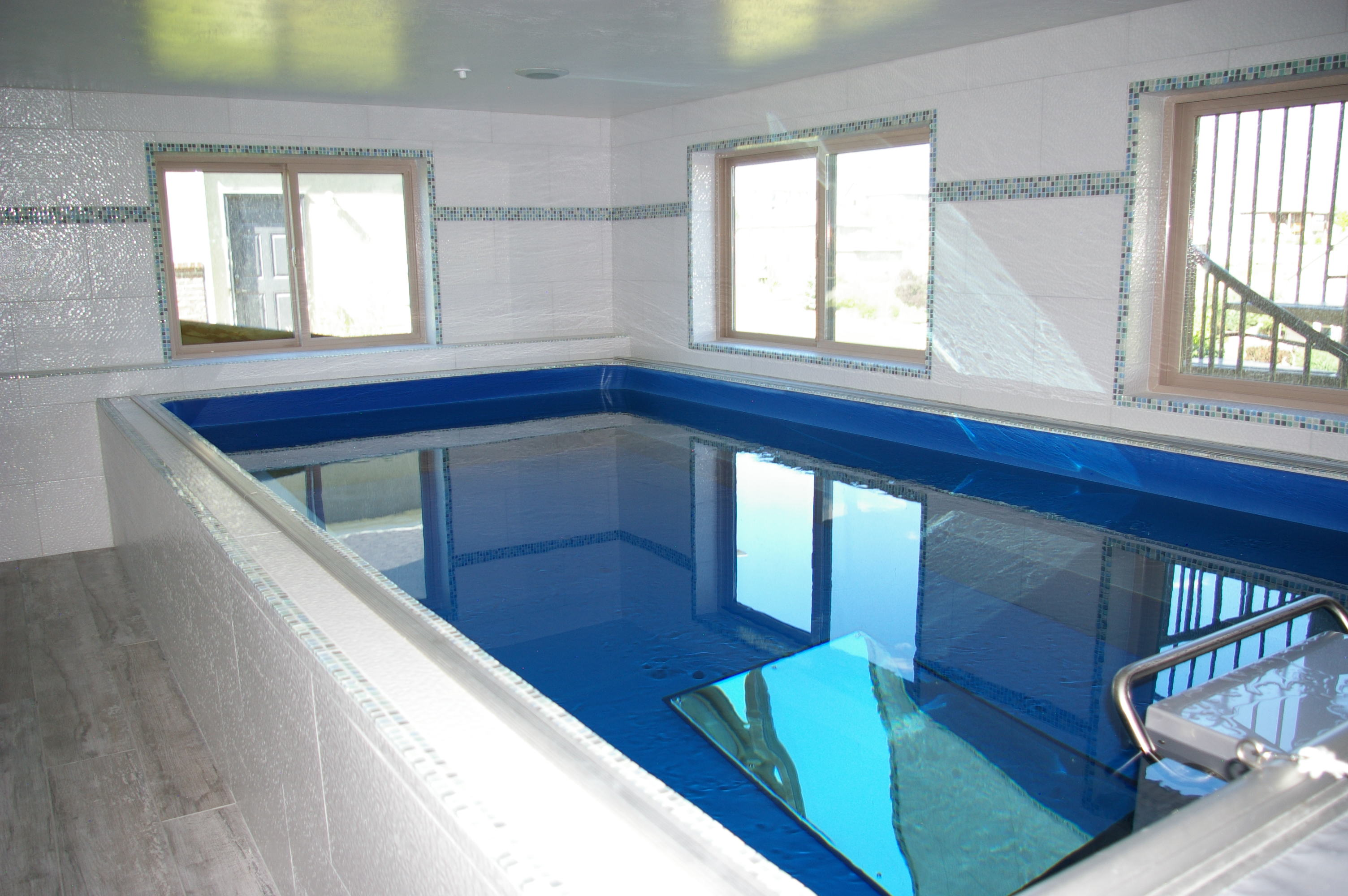 indoor swimming pools an indoor endless pools swimming machine  ZZFWYTE