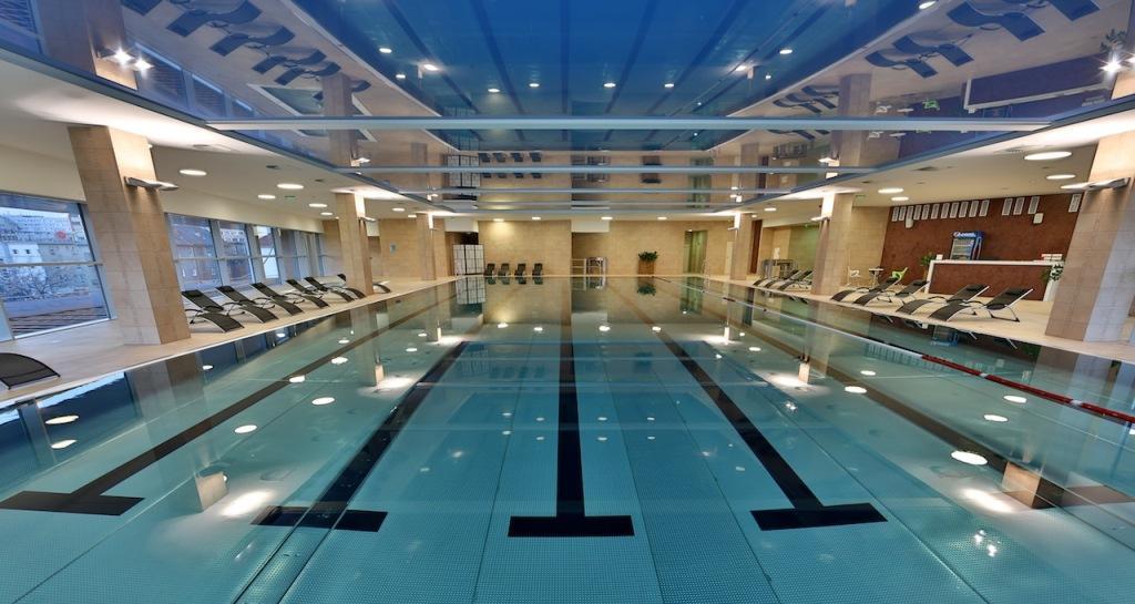 indoor swimming pools in bratislava - golem central KRFOBUM