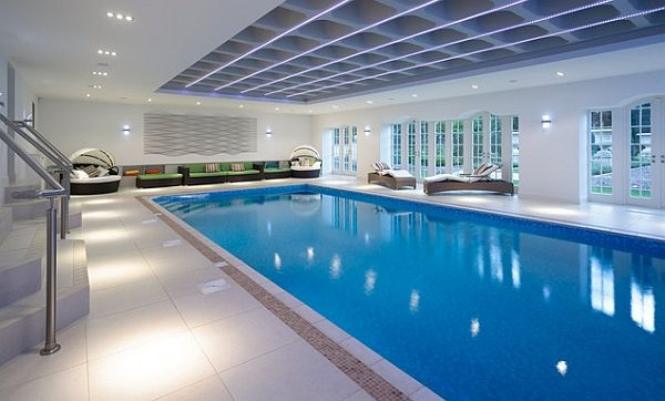 indoor swimming pools this indoor swimming pool area is pretty huge and has a good ZKRPPVA