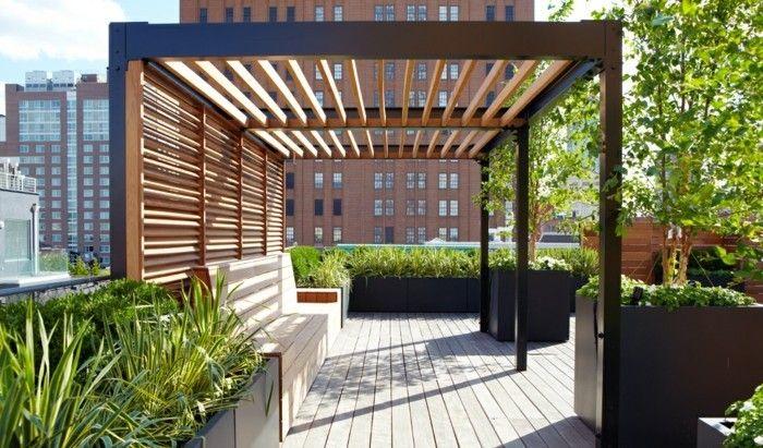 modern pergola pergola moderne en bois et aluminium, installée sur le toit du0027un bâtiment, HKWQHFE