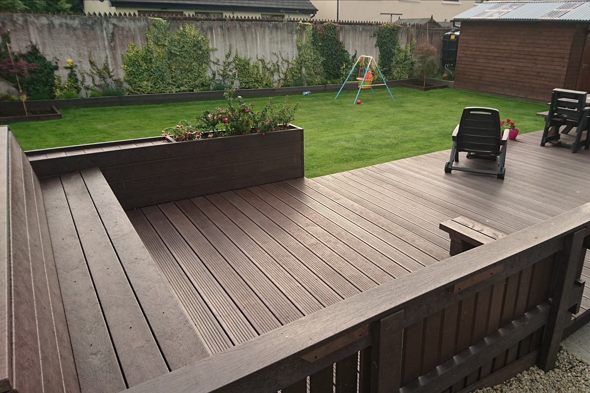 our 100% recycled plastic decking is far superior and stronger than REXNZPJ