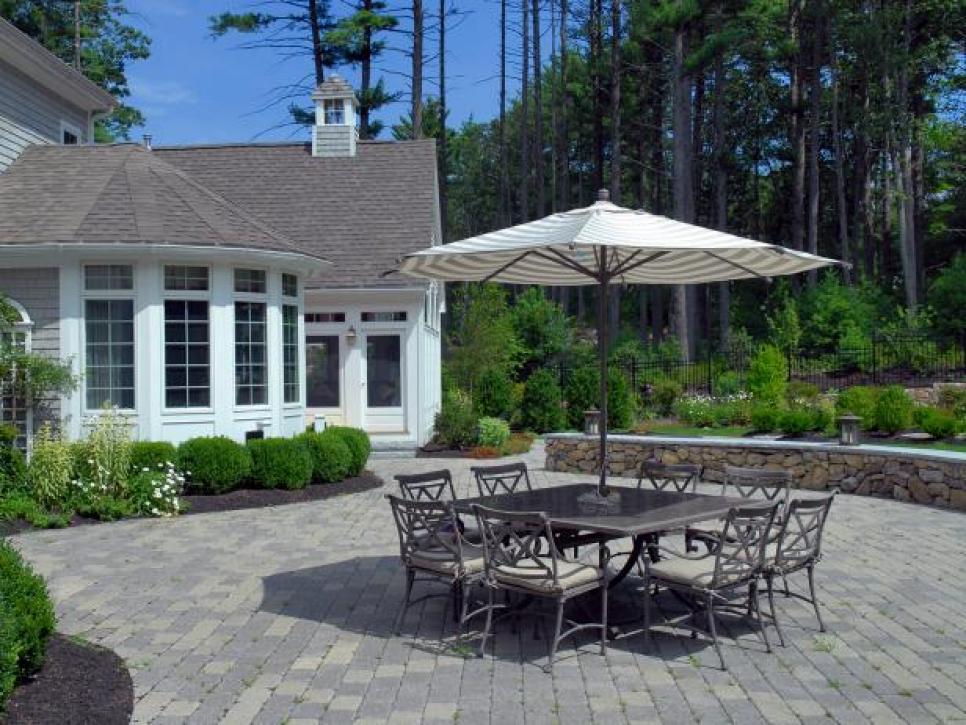 patio pavers 10 tips and tricks for paver patios | diy KHKSGFJ