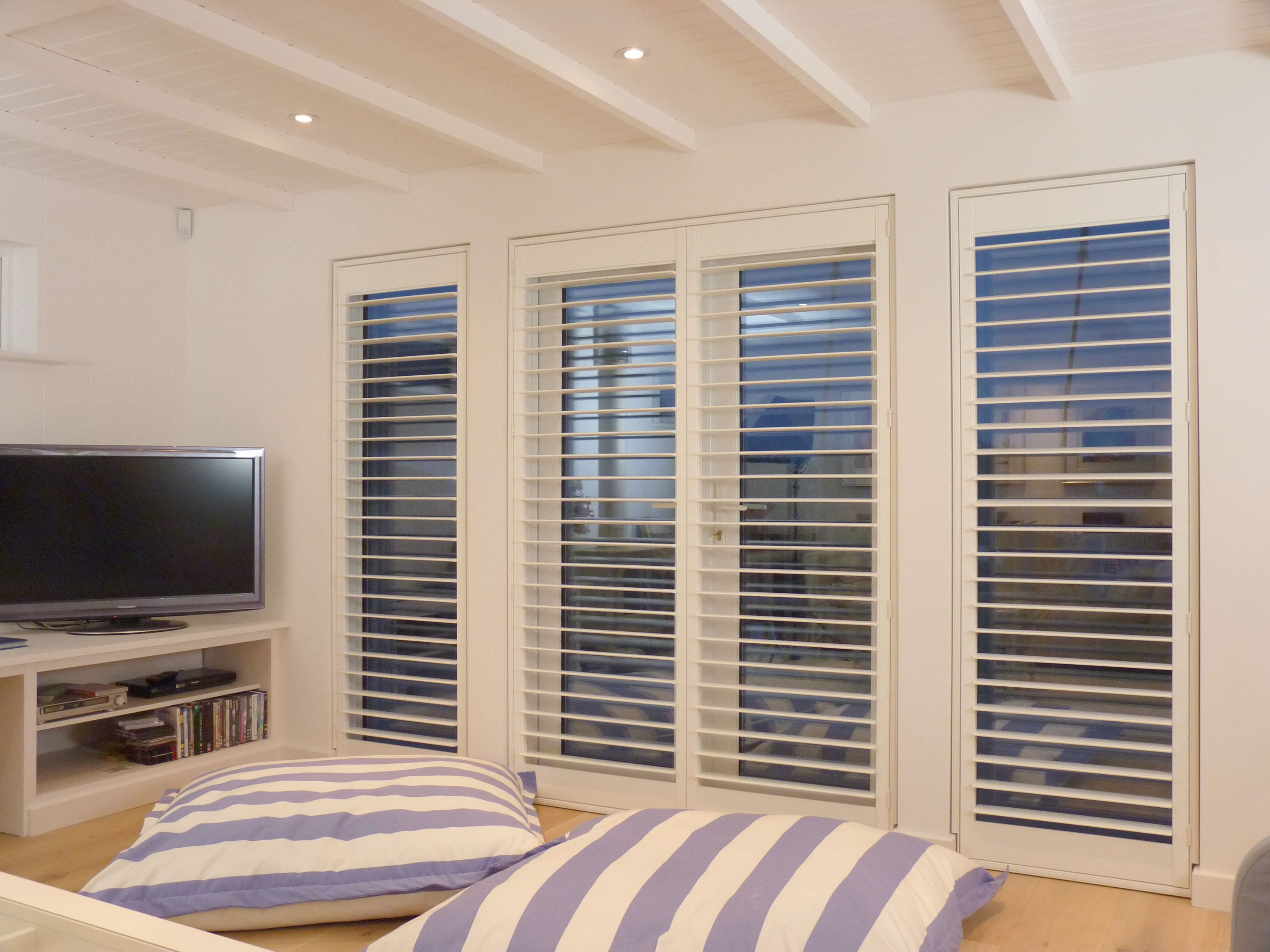 plantation shutter plantation shutters guide - top 5 window shutter designs - youtube UCZCKYG