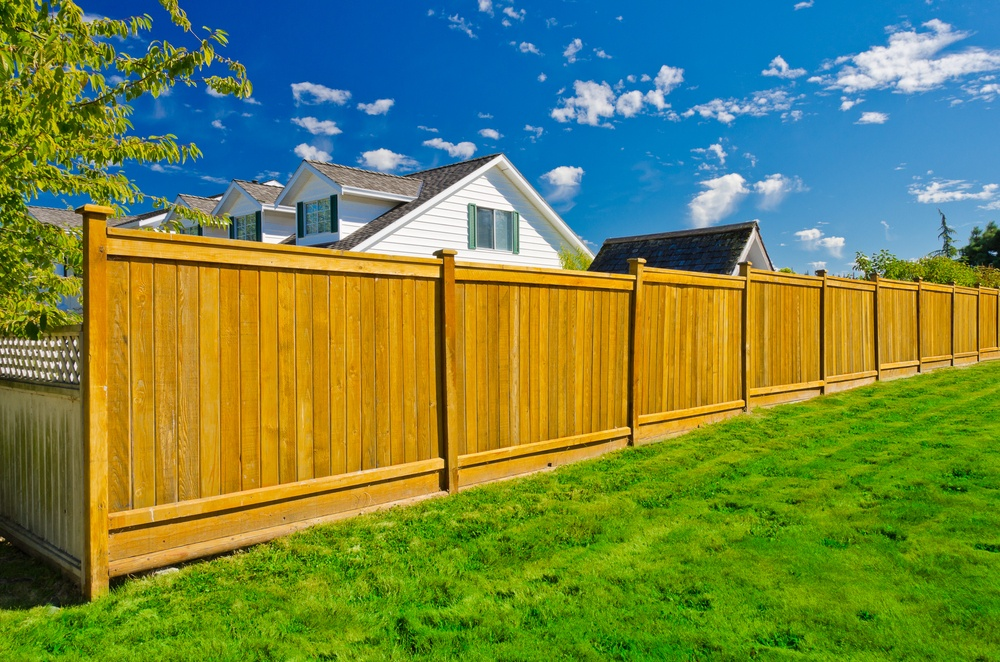 privacy fencing how to estimate the cost of a new privacy fence KPAMMYR