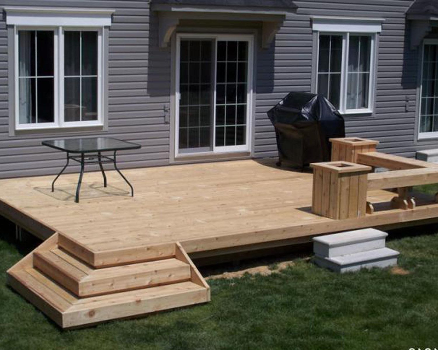 Make most of the space in your yard for Small deck ideas