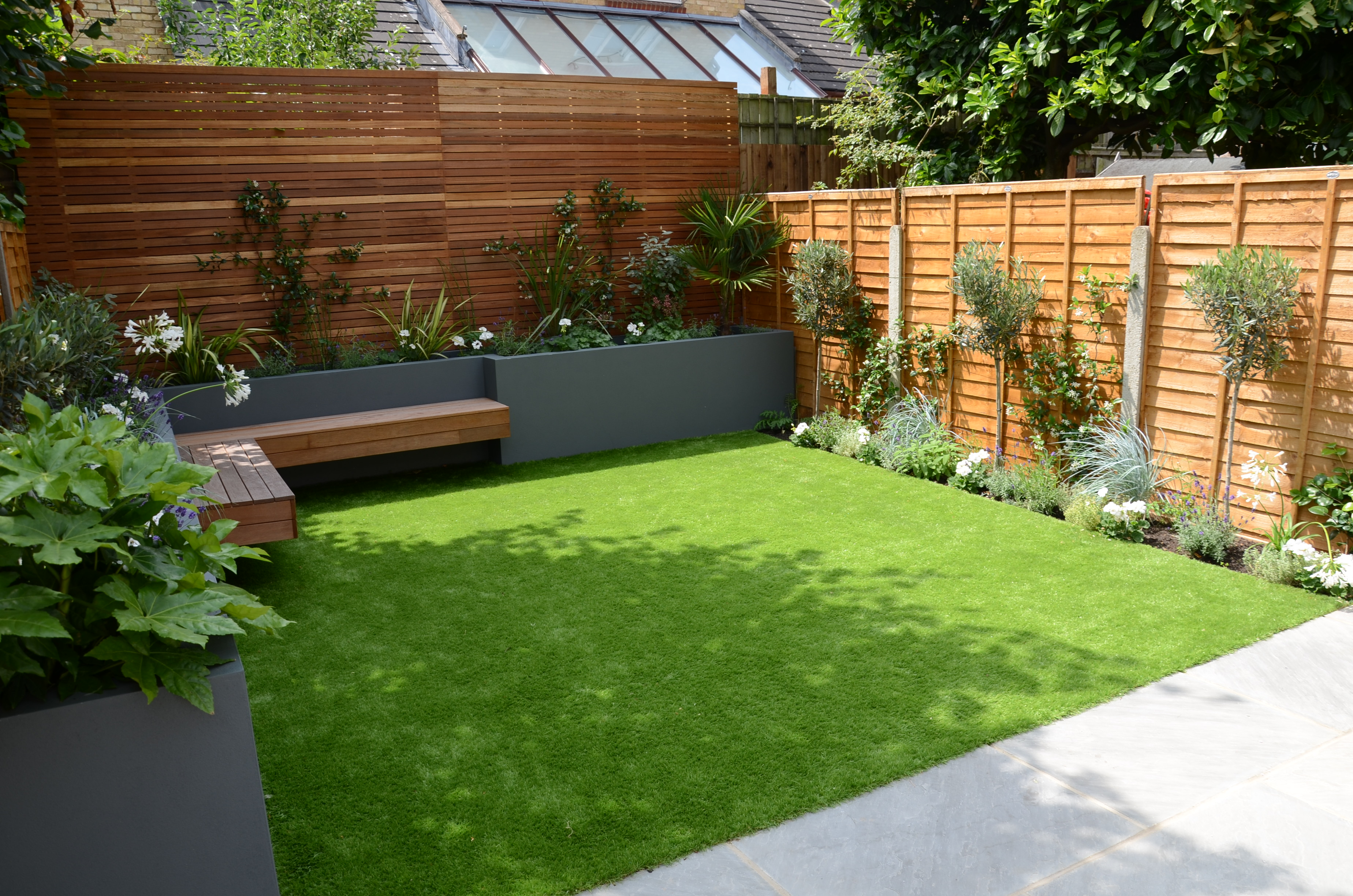 Small Garden Design Fake Grass Low Mainteance Contempoary Design Sleek Fun  VHIFDCY