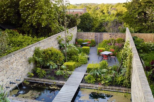 small garden design small urban garden design ideas