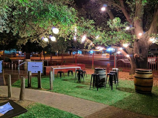the courthouse: garden bar MXQDKHQ