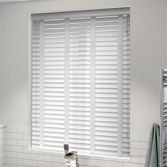 white venetian blinds arctic white u0026 white faux wood blind - 50mm slat MURZBAD
