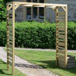 The process of adorning your garden with wooden garden arches