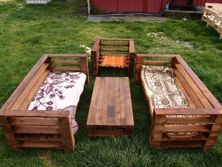 The process of adorning your garden with wooden garden furniture sets